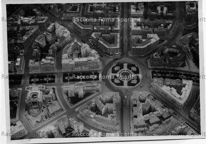 Descrizione: Piazza E Viale Mazzini Visti Dallu0027alto. Anno: Tra Il 1925 E Il  1930. Fotografo: Mio Padre Ufficiale Aeronautica Militare