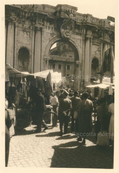 Piazza di Porta Portese