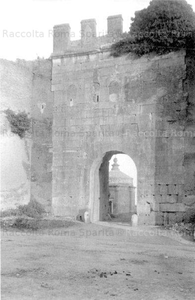Porta Latina
