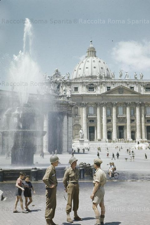 Piazza San Pietro - Soldati alleati