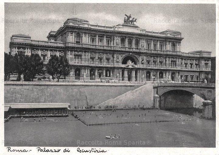 Palazzo di Giustizia e bagni nel Tevere