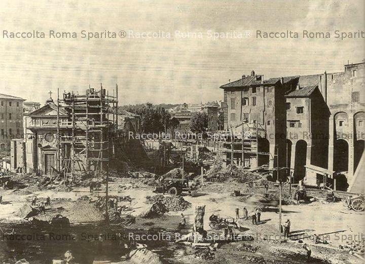 Via del Teatro di Marcello