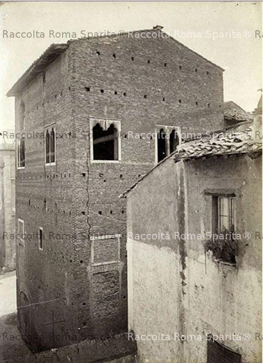 Casa dei Pierleoni, prima delle demolizioni