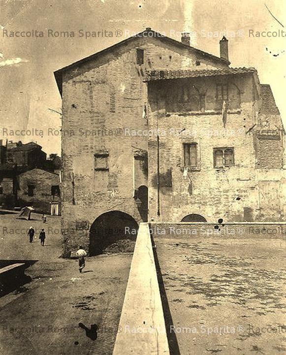 Via della Lungarina e palazzo Mattei