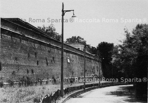 Via delle Mura Aureliane