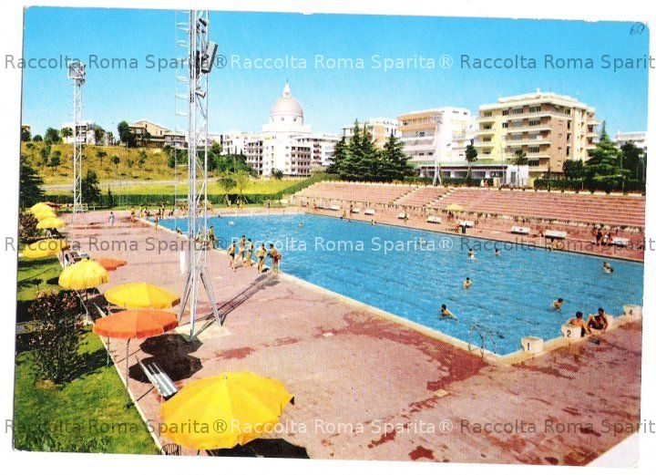Roma sparita eur piscina delle rose for Piscina roses
