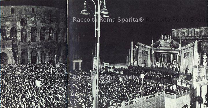 Rappresentazione notturna dell'Aida al lato del Colosseo