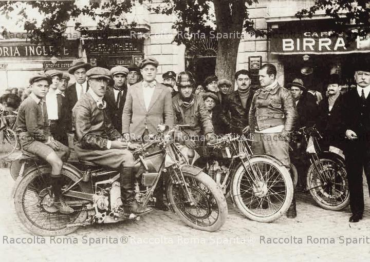 Raduno di motociclette
