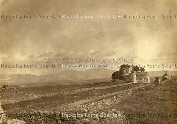 Appia Antica. Rovine a Casal Rotondo