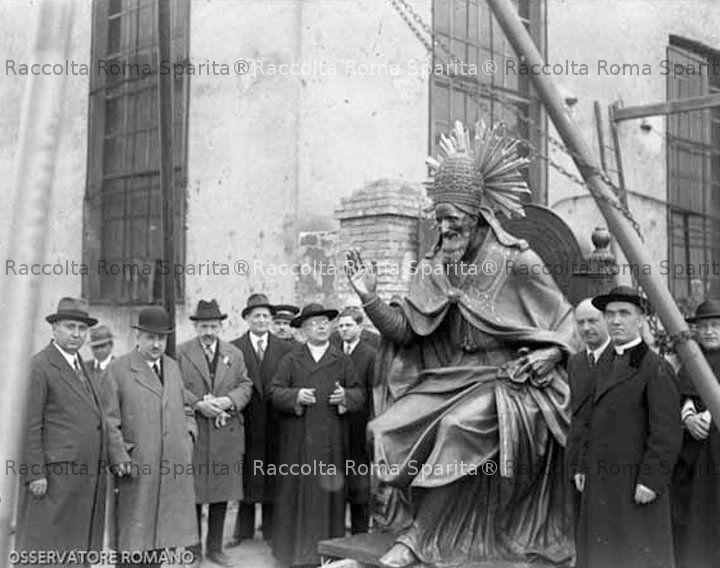 Statua San Pio V