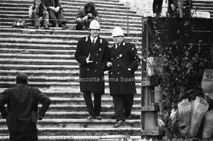 Forze dell'ordine a Piazza di Spagna