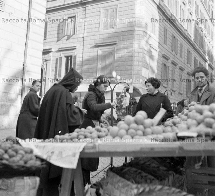 Mercato in via Cesare Balbo