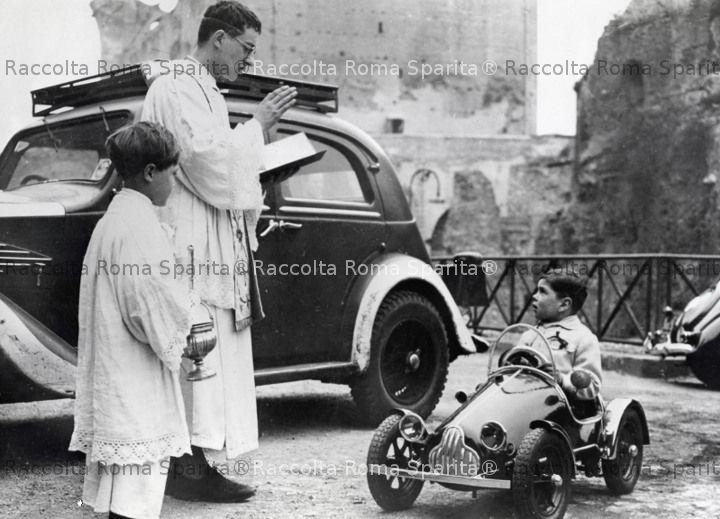 Benedizione delle auto a Santa Francesca Romana