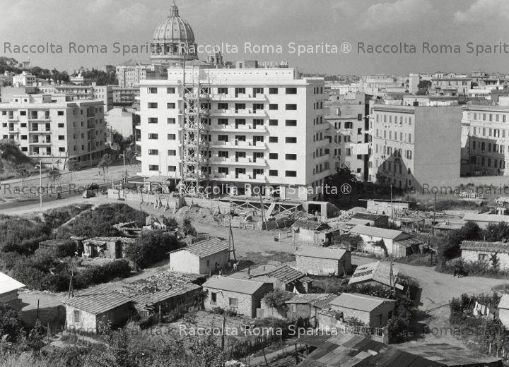 La zona di via Cipro in costruzione