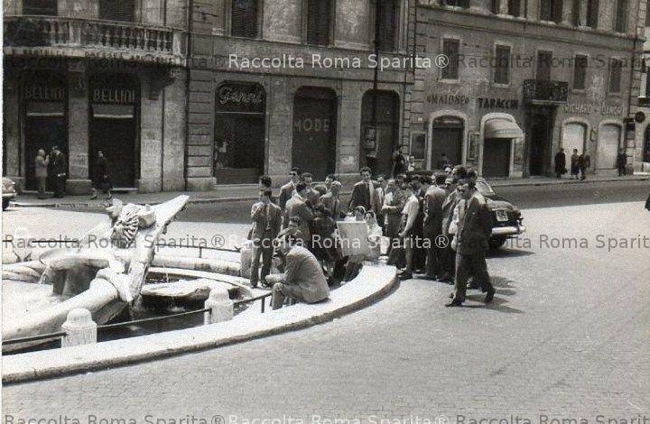 Pittrice a piazza di Spagna