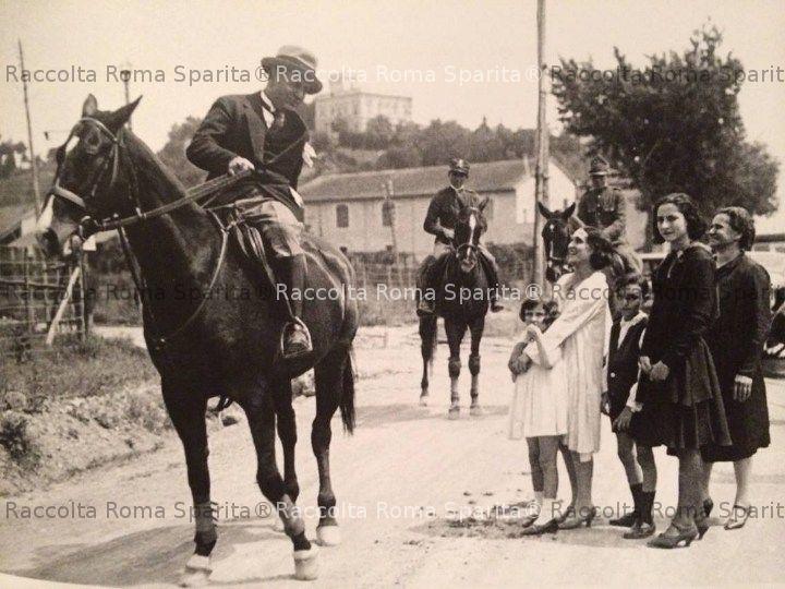 Il Duce in visita a Grottarossa