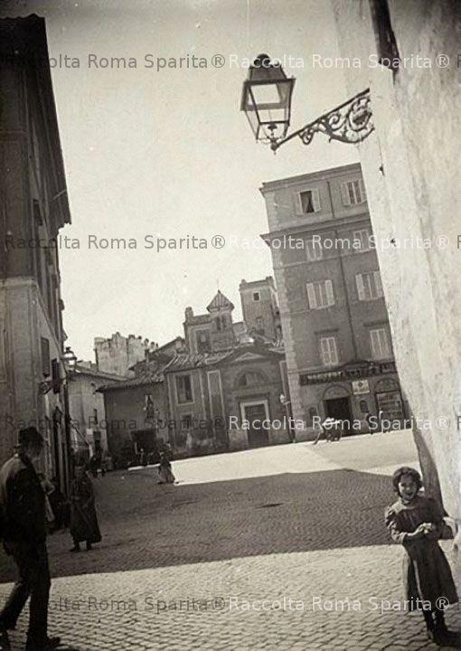 Piazza di San Benedetto in Piscinula