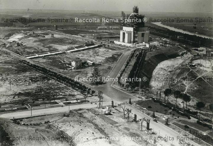EUR - Piazzale dei Santi Pietro e Paolo