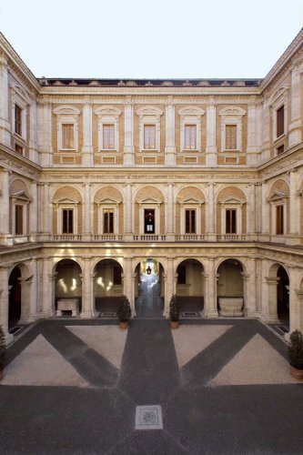 Palazzo-Farnese.Cortile (1)