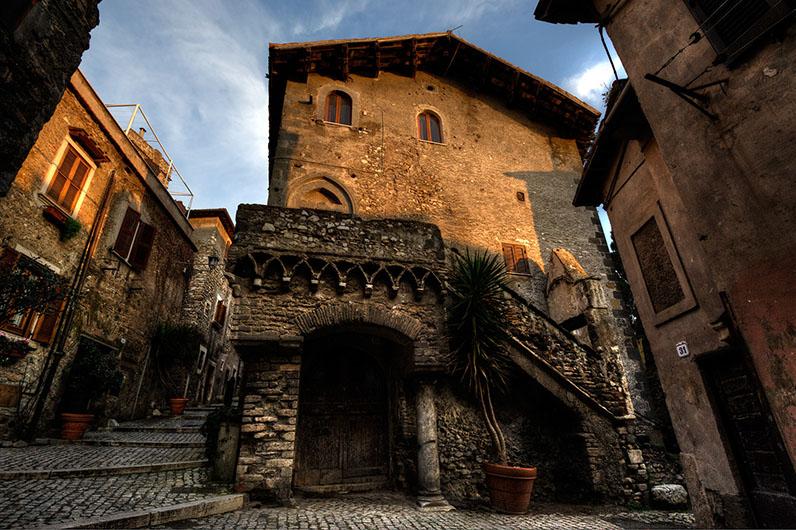 Visite guidate nel programma di roma sparita for Casa di architettura gotica