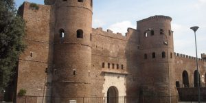 Lungo le Mura – Quarto tratto: da porta Asinaria a Porta Metronia